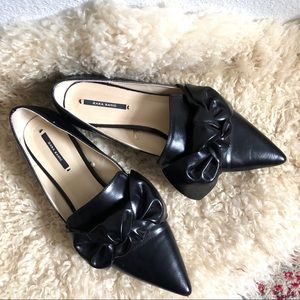 Zara Basic (40) Pointed Toe Leather Knot Tie Flats
